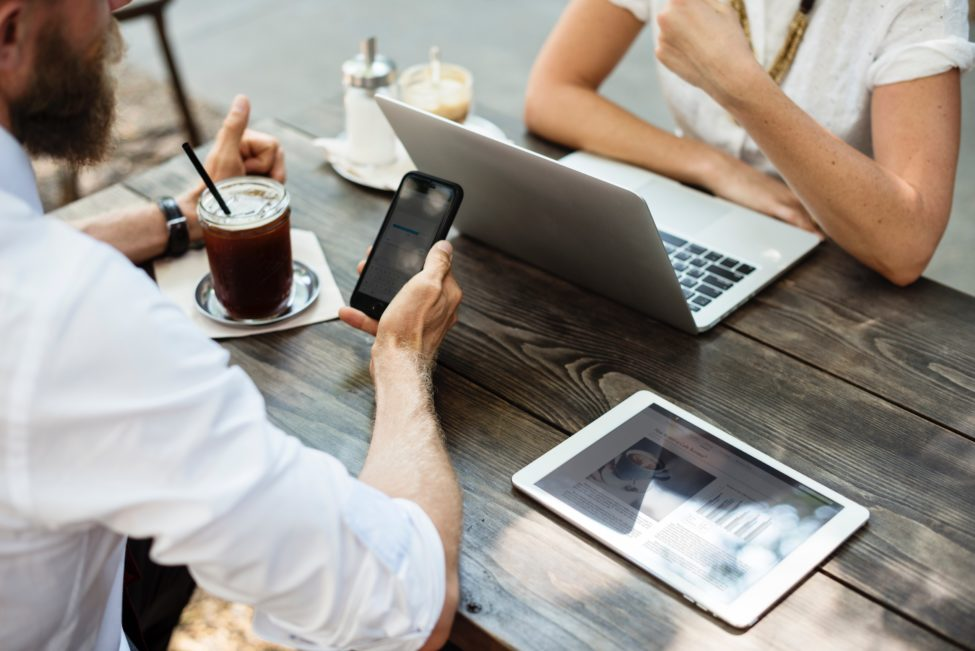 Laptop et mobile